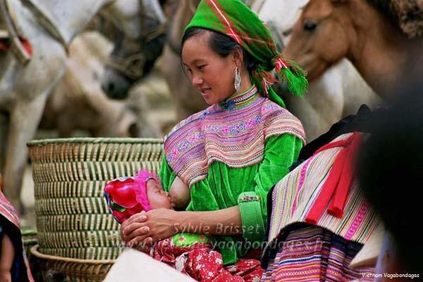 Marché ethnies de Bac Ha nord Vietnam